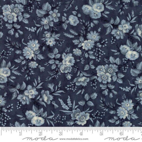 "Moda Fabric Fat Quarter 22""x18"" - Snowberry Midnight delicate Sprays 44142 16"